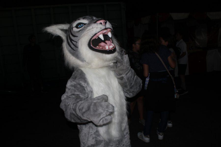 Wildcat+Fans+Show+Spirit+for+Milken+Homecoming
