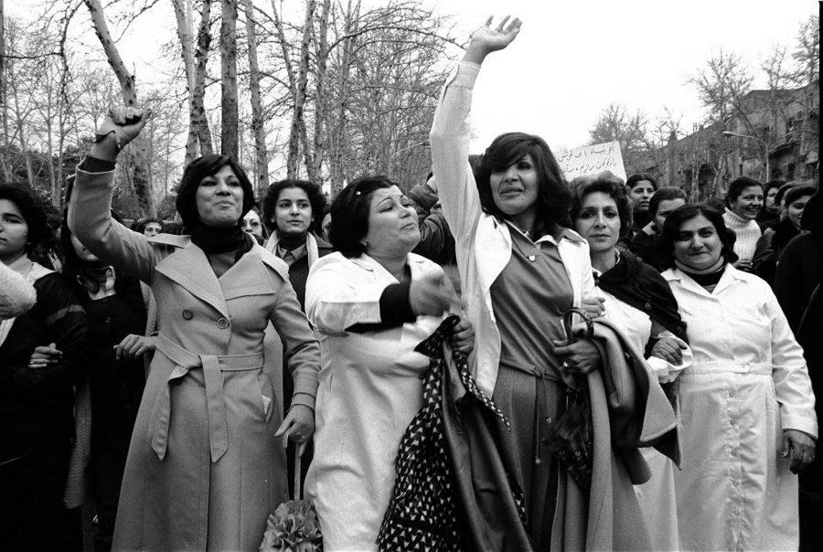 https%3A%2F%2Frarehistoricalphotos.com%2Fwomen-protesting-hijab-1979%2F%0A