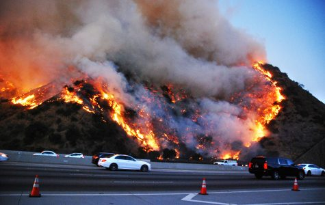 image of getty fire from the 405 freeway from Los Angeles Daily News