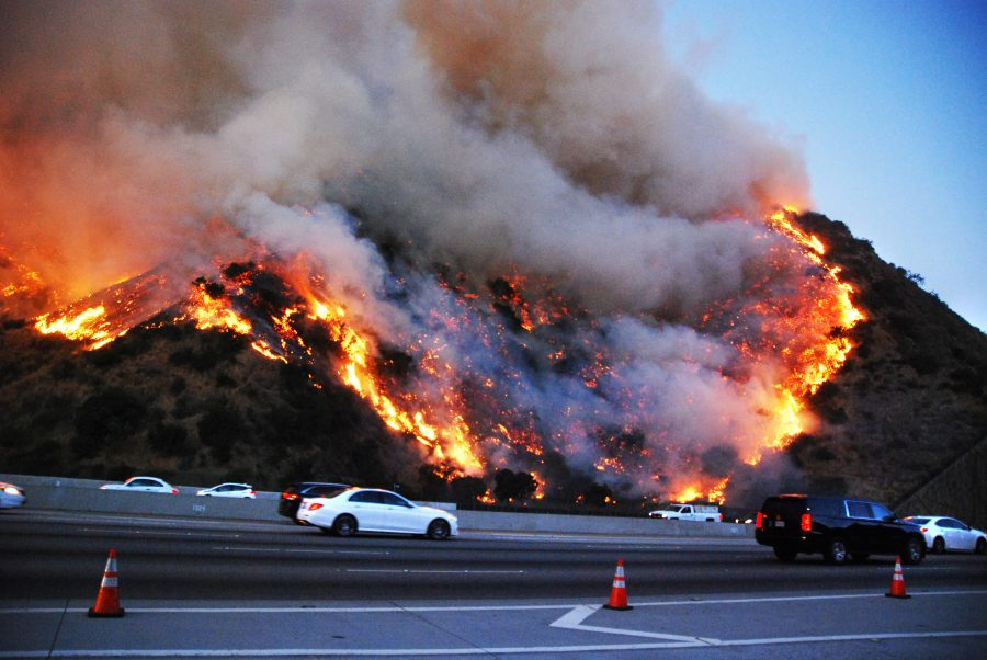 image+of+getty+fire+from+the+405+freeway+from+Los+Angeles+Daily+News