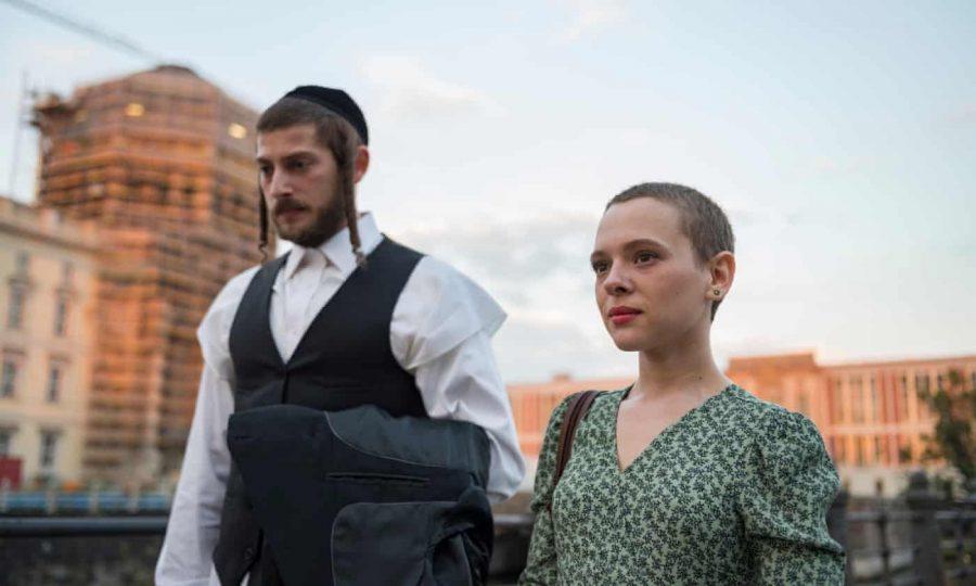 Esty (Shira Haas) and Yanky (Amit Rahav) in